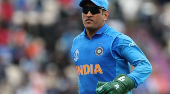 Kolkata fan dies after MS Dhoni gets out